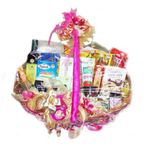 Gourmet gift hamper Big basket with handle